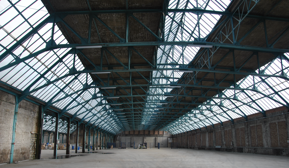 structure-toiture-hall-industriel